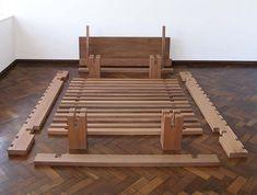 Nailess bed