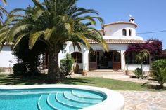 Stunning South-Facing Villa with Private Pool - https://twitter.com/villaslasella/status/688327492298354688