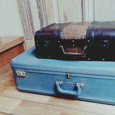 Viejas maletas, ideales para decorar tus vidrieras