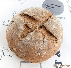 Speltbrood met roggedesem, rozijnen, noten en koekkruiden by Levine1957, via Flickr Bread Recipes, Baking Recipes, Bread Cake, Croissants, Fabulous Foods, What To Cook, Crackers, Homemade, Healthy