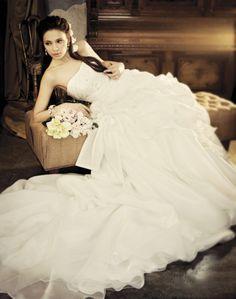 wedding dress 2012