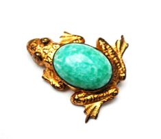 Excited to share the latest addition to my #etsy shop: Frog Brooch - Green Peking glass - gold filled - Art Glass figurine vintage pin http://etsy.me/2C8LP2K #jewelry #brooch #green #animals #gold #unisexadults #glass #frogbrooch #greenartglass