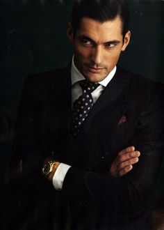 Gentleman Style 358669557794835337 - David Gandy shows us how to rock a suit with a dotted tie, men's formal style Source by daoudalmadowar Gentleman Mode, Gentleman Style, Dapper Gentleman, English Gentleman, True Gentleman, David Gandy, Sharp Dressed Man, Well Dressed Men, Fashion Moda