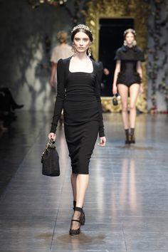 Dolce - Women's Ready-to-Wear - 2012 Fall-Winter Runway Fashion, Fashion Beauty, Fashion Show, Fashion Looks, Womens Fashion, Fashion Design, Dark Fashion, Fashion Fashion, Hijab Fashion Inspiration