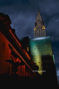 Chrysler Building, USA, New York City, photographie couleur, ambiance nocturne, façade de verre, architecture art deco, Grand Central, de la boutique PhilipDumPhotography sur Etsy                                                                                                                                                      Plus