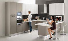 Risultati immagini per cucine con forno rialzato Kitchen Decor, Design Inspiration, Interior Design, Table, Furniture, Home Decor, Decoration, Heart, Kitchens