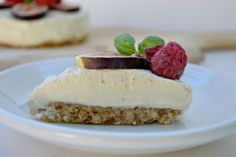 Raw Key Lime Pie recipe: Wouldn't it be wonderful if we could find a way to eat dessert after every meal and never feel guilty about it? Something so nutritionally dense that our bodies would thank us every time we ate it and actually gave us energy instead of sending us right into a gluten and sugar-filled coma?  What if I told you that this pie would do just that for you? That with every bite you would be given a vitamin-packed dosage full of cashews, coconut oil and lime juice…and that is it?