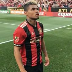 Man (and team) on 🔥. and continue to shine in Hit this video at the link in the bio to see the rest of the goals, players, and cleats that caught our eye last weekend. Atlanta United Fc, Mls Soccer, Professional Soccer, Major League Soccer, Instagram Shop, Cleats, Beautiful People, Rest, Goals