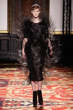 Iris van Herpen Spring 2013 Couture Fashion Show Collection Fashion Week, Fashion Art, New Fashion, Runway Fashion, Spring Fashion, Fashion Show, Paris Fashion, Iris Van Herpen, Vogue Paris