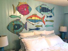 Peces de pared madera signo Tropical colores por CastawaysHall