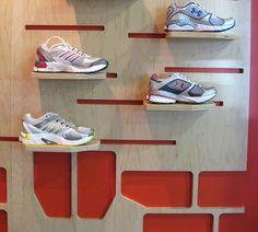 Run Tex shoe display