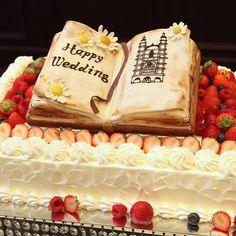 オリジナルWeddingCake 新郎新婦様からアイディアを頂き パティシエと打ち合わせをしてデザインを決めます☆ #オリジナルウェディング #おもてなし #おもてなしウェディング #wedding #神戸結婚式場 #神戸セントモルガン教会 #weddingcake #ウェディングケーキ #ウェディングケーキデザイン#オリジナルブランドPatico
