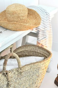 monday TO sunday HOME Coastal Style, Coastal Living, Happy Summer, Summer Beach, Summer House Interiors, French Boutique, Southern California Beaches, Summer Story, Beach Cottages