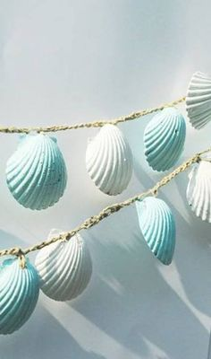 Seashell Garland, Beach Wedding Decorations, Blue and White Sea Shell Wedding Bunting, Shabby Chic Beach Home Decor - Wedding Decorations Ideas Seashell Garland, Seashell Crafts, Beach Crafts, Seashell Projects, Coastal Cottage, Coastal Decor, Coastal Style, Coastal Living, Coastal Curtains