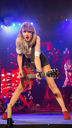 Red tour 2014