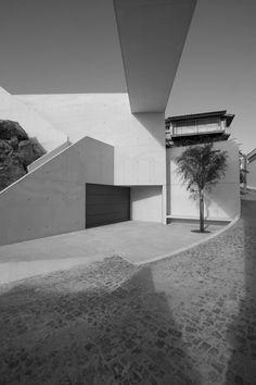 Gallery - Urban Requalification of S. Martinho do Porto / Gonçalo Byrne Arquitectos - 6