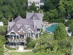 Sandra Bullock's New Orleans property may not look as extravagant on the outside but once inside, it's all bells and whistles.She bought the house for $2.25 million and it covers an astonishing 6,615 square feet.    It has 5 bedrooms and 4 bathrooms, it's also been refurbished with marble mantelpieces and antique mouldings. Outside she has a lavish swimming pool with barbeque area to keep all guests entertained.