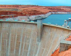 One of the greatest dams of its day and an Arizona landmark, the Hoover Dam is situated in Black Canyon