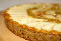 Quand on fait Weight Watchers, le premier gâteau que l'on apprend à faire, c'est l'invisible. Qu'il soit aux pommes, aux poires ou à tout autre fruit, c'est celui-ci d…