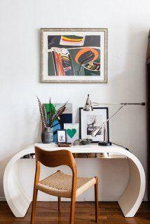 Simple Curve. Home Office Ideas We Love at Design Connection, Inc. | Kansas City Interior Design http://www.DesignConnectionInc.com/Blog #InteriorDesign #HomeOffice