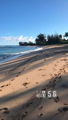 Ocean Wallpaper, Tumblr Wallpaper, Wallpaper Backgrounds, View Wallpaper, Pretty Beach, Sky Aesthetic, Sea Waves, Summer Pictures, Ocean Beach