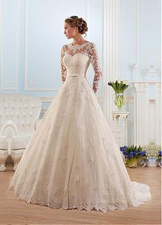 Buy discount Glamorous Tulle Bateau Neckline Ball Gown Wedding Dress With Lace Appliques at Dressilyme.com