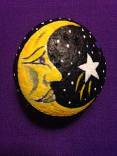 Painted rock moon phase paperweight painted by brownsthreadworks. Moon Painting, Pebble Painting, Stencil Painting, Pebble Art, Rock Painting Patterns, Rock Painting Ideas Easy, Rock Painting Designs, Paint Ideas, Painted Rocks Craft
