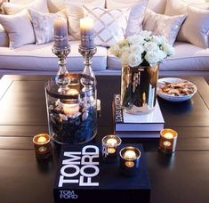 New Apartment Living Room Decor Classy Pillows Ideas Home Living Room, Apartment Living, Living Room Decor, Apartment Chic, Hoboken Apartment, Coffee Table Styling, Decorating Coffee Tables, Decoration Bedroom, Style Deco