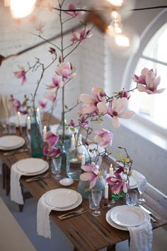The LANE's 4 Tips for Simple Tablescape Styling... Pink and blue