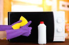 Quanto tempo faz que você não limpa seu micro-ondas? Já está mais do que na hora de mudar de atitude e dar a devida atenção à limpeza desse aparelho. Quer saber como deixar o melhor amigo das refeições rápidas sempre nos trinques? Então confira agora mesmo as dicas que preparamos para você. Vamos lá? http://blog.tendtudo.com.br/6-dicas-limpar-micro-ondas/#sthash.NWl93Q3M.dpuf