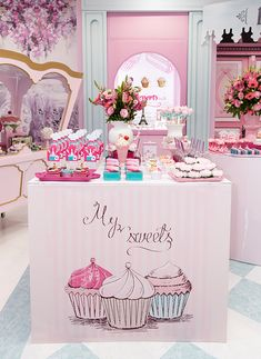 Cake Wallpaper, Flamingo Wallpaper, Cake Shop Design, Bakery Design, Girl Birthday Decorations, Ice Cream Candy, Cupcake Shops, Cute Desserts, Candy Party