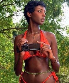 Beautiful Black Girl, Pretty Black Girls, Black Love, Beautiful Women, Afro, Dark Skin Beauty, Black Girl Aesthetic, Poses, Black People