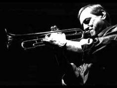 Duško Gojković es un trompetista y compositor serbio de jazz que nació el 14 de octubre de 1931. A lo largo de los años ha formado un estilo personal reconocible por la precisión, brillo y calidez que da a sus sonidos.