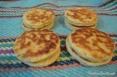 Aprende a preparar gorditas de nata estilo Tlaxcala con esta rica y fácil receta.  Las gorditas de nata son un tipo de pan elaborado con nata de leche y que es común...