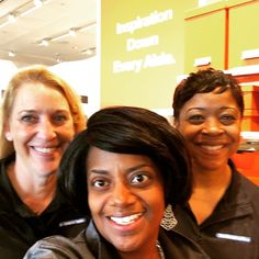 Hanging with the great team at the New Delaware store @christianamall @thecontainerstore #containdelaware