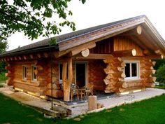 Cовременный дом из бруса (оцилиндрованного дерева) – это сплав инновационных технологий с вековым опытом деревянного зодчества, среди основных признаков которого – установка металлопластиковых окон в деревянных домах.