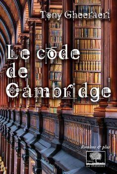 Arnaud Rudel, un universitaire gaffeur, obtient une bourse du collège de Cambridge. Il doit prononcer une conférence sur Charity Backwater, une puritaine accusée d'avoir assassiné son mari, un fidèle de Charles Ier. Ses recherches sont perturbées par la mort d'une physicienne avec qui il venait de se lier d'amitié. Accusé par la police, Arnaud s'improvise cryptographe et mène sa propre enquête.