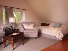 The Rothwell Stone Cottage Annex apartment sleeps comes complete with full kitchen and supplies, cable, air conditioning and the use of a wonderful in ground pool. Westport Ontario, Annex, In Ground Pools, Conditioning, Cable, Cottage, Stone, Bed, Kitchen
