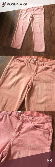 {St. John's Bay} hi waist pink cropped jeans Sz 6 (All of my five dollar items are buy two get one free ) High waisted pink cropped length jeans in size 6. Brand is St Johns Bay. These have a high-rise waist and a cropped length. Color is pink and the fabric has a distressed faded look to it. Reference the photos for the finish of the fabric. These are in good condition. Fabric is 98% cotton and 2% spandex. St. John's Bay Pants Ankle & Cropped