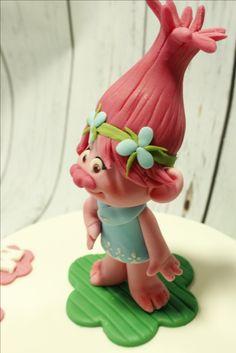 Tarta con figura modelada de  Poppy Planter Pots, Fondant Cakes, Candy Stations, Parties Kids