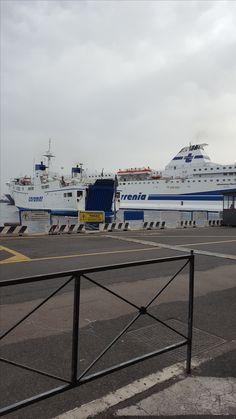 Am Hafen in Neapel