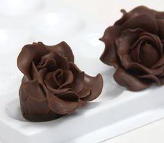 Chocolate plástico: cómo decorar y hacer figuras.