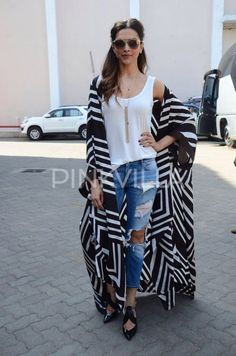 16 Bold Deepika Padukone Looks That Will Inspire You to Take a Fashion Risk or Two Look Kimono, Style Kimono, Kimono Outfit, Abaya Fashion, Kimono Fashion, Boho Fashion, Fashion Outfits, Womens Fashion, Gothic Fashion