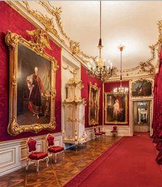 Red Salon - Schloss Schönbrunn, Wien (Austria).