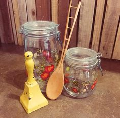 If these vintage French jars don't motivate you to make a scrumptious, veggie-filled, dinner, I don't know what will. #theclutterhouse #vintage #French