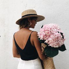 blogger   A Pair & A Spare
