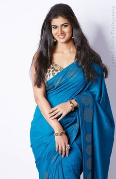 Exclusive stunning photos of beautiful Indian models and actresses in saree. Beautiful Girl Indian, Most Beautiful Indian Actress, Beautiful Saree, Gorgeous Women, Gorgeous Lady, Beauty Full Girl, Beauty Women, Fashion Week, Men's Fashion