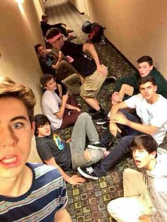 Nash Grier, Shawn Mendes, Jack Johnson, Jack Gilinsky, Aaron Carpenter, Taylor Caniff, Hayes Grier and Matt Espinosa, MagCon Boys