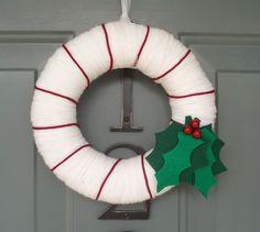 Yarn Wreath Felt Handmade Holiday Door Holly Christmas by ItzFitz Candy Cane Wreath, Felt Wreath, Wreath Crafts, Yarn Wreaths, Felt Crafts, Holiday Wreaths, Holiday Crafts, Holiday Decor, Holiday Recipes