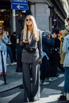 Paris Fashion Week Street Style Spring 2018 Day 5 Cont - Gucci Suit - Ideas of Gucci Suit - Paris Fashion Week Street Style Spring 2018 Day 5 Cont. The Impression Look Fashion, Paris Fashion, Street Fashion, Spring Fashion, Street Style Fashion Week 2018, Catwalk Fashion, 2000s Fashion, Young Fashion, Grey Fashion